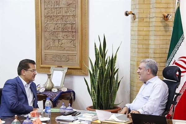 مونسان در دیدارهای جداگانه با 4 نماینده مجلس تأکید کرد؛ حمایت سازمان میراث فرهنگی از سرمایه گذاری بخش خصوصی در پروژه های گردشگری