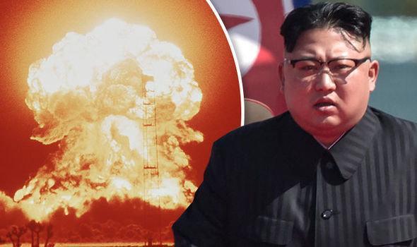 دیدار وزیر خارجه چین با مایک پنس و تاکید بر ضرورت وجود اجماع درباره کره شمالی