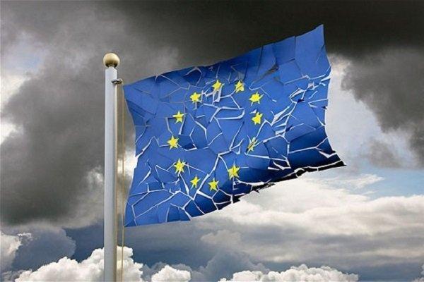 بحران ایتالیا دامن یورو را گرفت، سقوط ارزش یورو