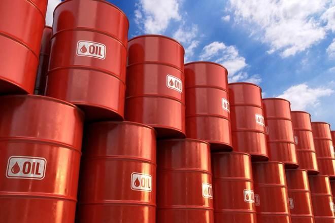 تحلیلگر سابق سیا: افزایش تنش ها در خاورمیانه باعث عبور قیمت نفت از مرز 80 دلار می گردد
