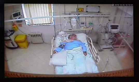 سازنده کوچکترین قفل دست ساز ایران در بستر بیماری