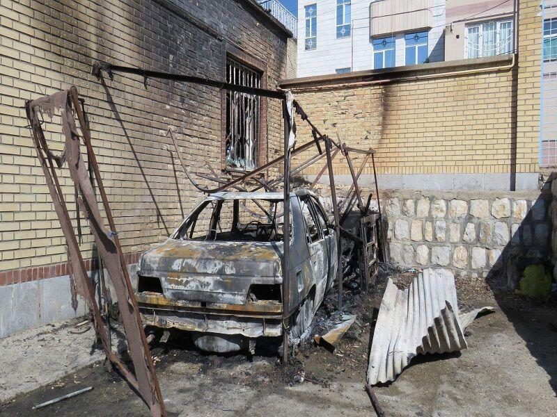 خبرنگاران سواری پژو 405 در آتش سوخت