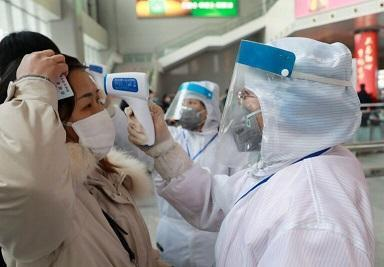 پزشک معروف چینی: ایمنی جمعی باعث افزایش فوتی های کرونا می گردد