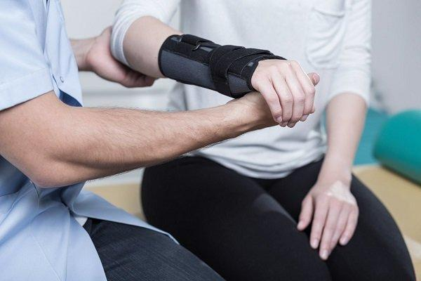 درمان شکستگی با ایمپلنت الکتریکی