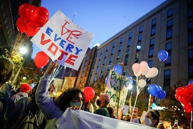 هواداران هر دو نامزد انتخابات آمریکا به خیابان ها آمدند