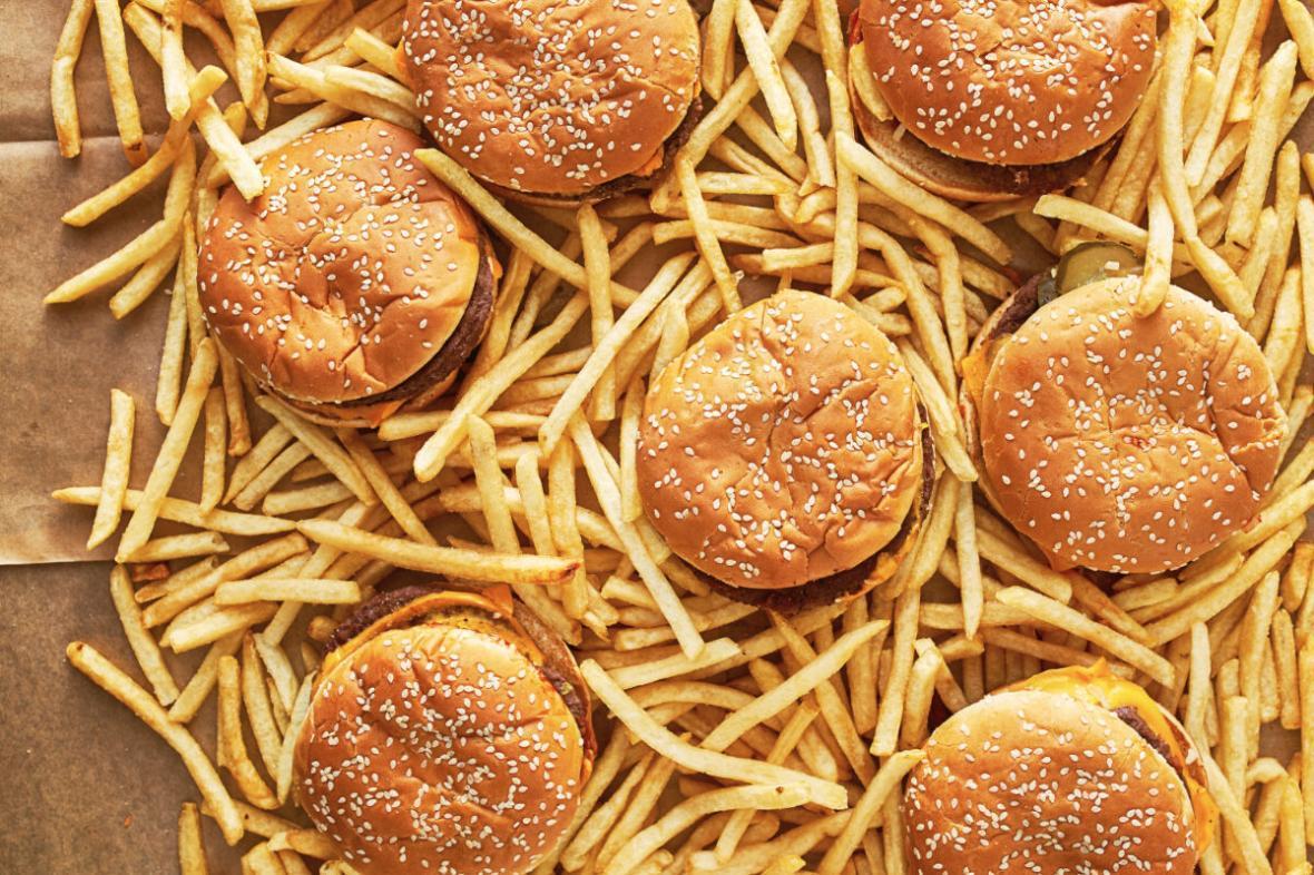 5 غذایی که نباید در فست فودها سفارش بدهیم