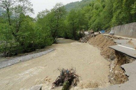 طغیان رودخانه در اشکور رحیم آباد حادثه جانی نداشت