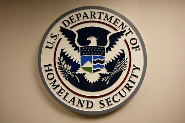 تحقیقات درباره افراط گرایی به رده های وزارت امنیت داخلی آمریکا کشید