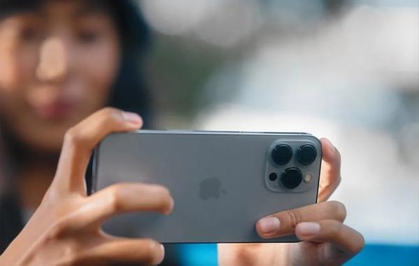 قابلیت های نو دوربین آیفون 13 شامل عکاسی ماکرو و ویدیوی سینماتیک است